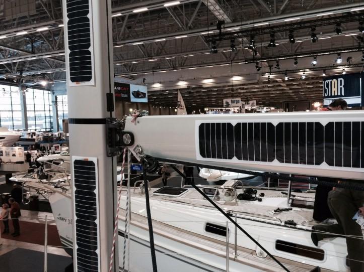 Solarpanels_mast_boom