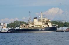 Old Finnish icebreaker
