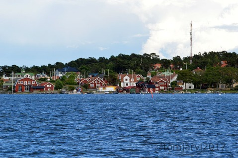 Coming in to Sandhamn