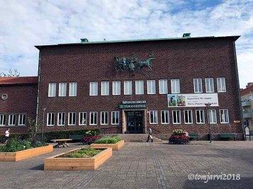 Ystad tourist bureau who's staff helped a criminal